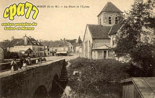 St Cyr Sur Morin - La Place et l'Eglise