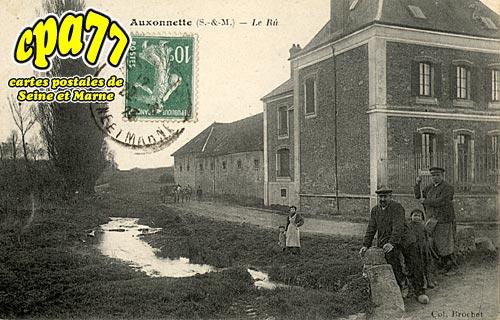 St Fargeau Ponthierry - Auxonettes - Rue de Tilly (en l'état)
