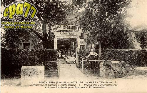 St Fargeau Ponthierry -  Hôtel de la Gare - Téléphone : 7 - Déjeûners et Dîners à toute heure - Prend des Pensionnaires - Voitures à volonté pour Courses et Promenades