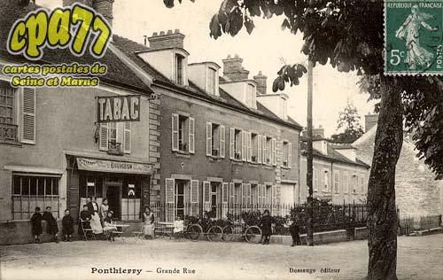 St Fargeau Ponthierry - Grande Rue