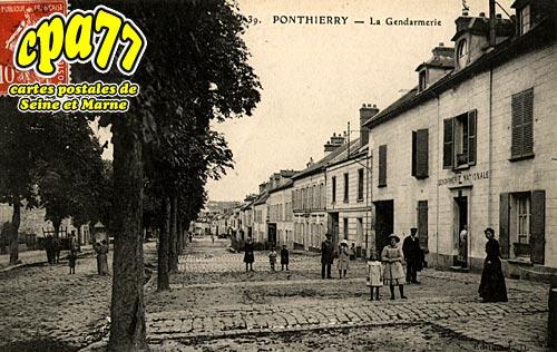 St Fargeau Ponthierry - La Gendarmerie