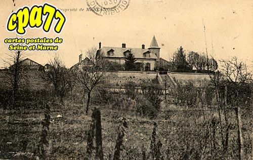 St Germain Laval - Propriété de Merlanges