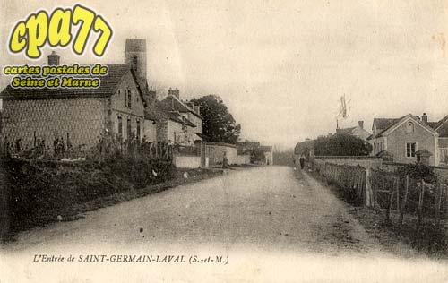 St Germain Laval - L'Entrée de Saint-Germain-Laval (S.-et-M.)