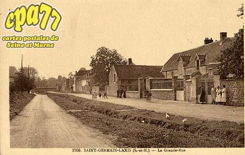 St Germain Laxis - La Grande-Rue