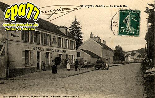 St Jean Les Deux Jumeaux - La Grande Rue