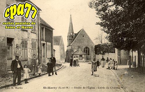 St Méry - Abside de l'Eglise - Entrée du Château