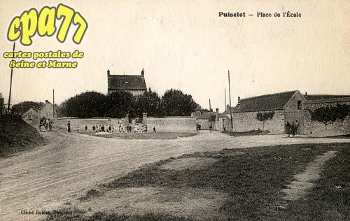 St Pierre Lès Nemours - Place de l'Ecole