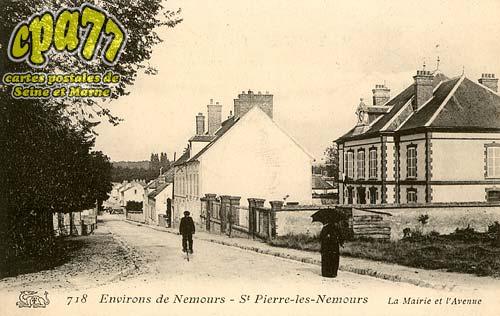 St Pierre Lès Nemours - Environs de Nemours - La Mairie et l'Avenue