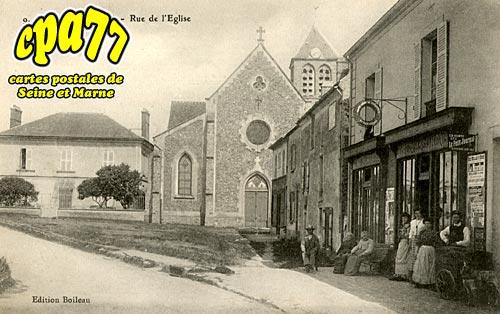 Saints - Rue de l'Eglise