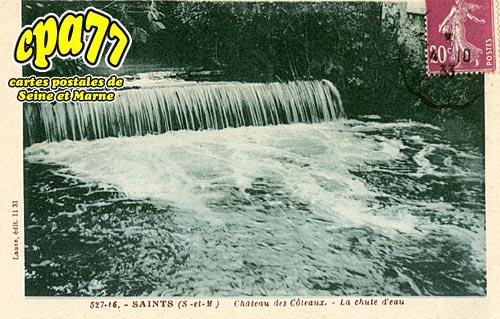Saints - Château des Côteaux - La chute d'eau