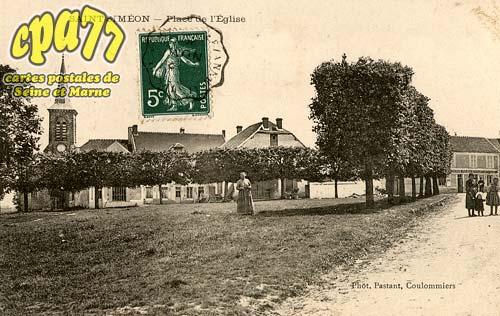 St Siméon - Place de l'Eglise