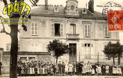 St Soupplets - Mairie, sortie de l'Ecole