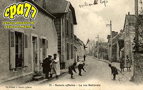 Samois Sur Seine - La Rue Nationale