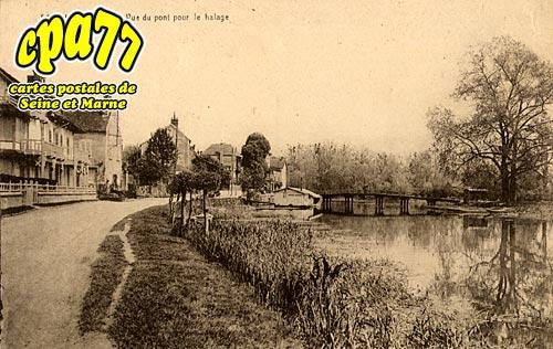 Samois Sur Seine - Vue du Pont pour le Halage