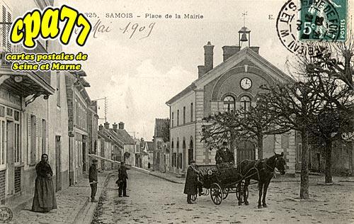 Samois Sur Seine - Place de la Mairie