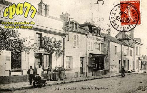 Samois Sur Seine - Rue de la République