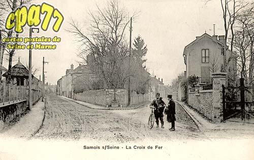 Samois Sur Seine - La Croix de Fer