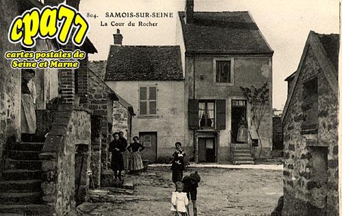 Samois Sur Seine - La Cour du Rocher