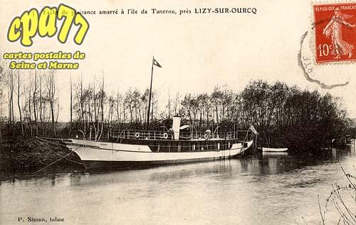 Tancrou - Yacht de plaisance amarré à l'île de Tancrou, près Lisy-sur-Ourcq
