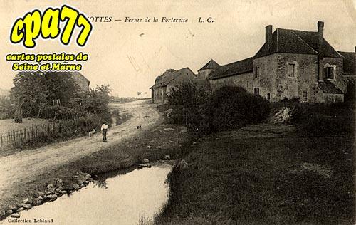 Thoury Férottes - Ferme de la Forteresse