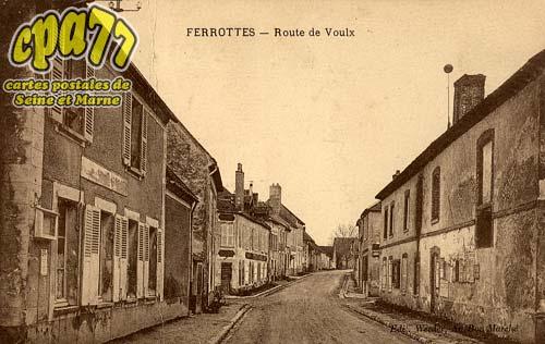 Thoury Férottes - Route de Voulx
