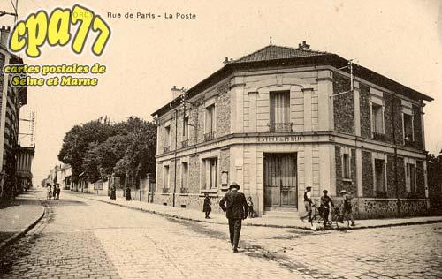 Torcy - Rue de Paris - La Poste