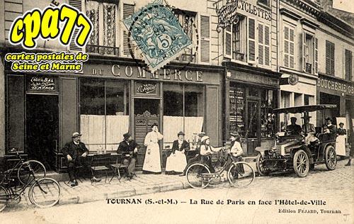 Tournan En Brie - La Rue de Paris en face de l'Hôtel-de-Ville (en l'état)