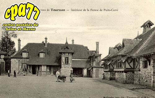 Tournan En Brie - Intérieur de la Ferme de Puits-Carré