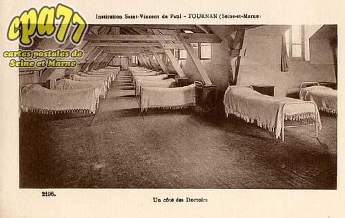Tournan En Brie - Institution Saint-Vincent de Paul - Un côté des Dortoirs