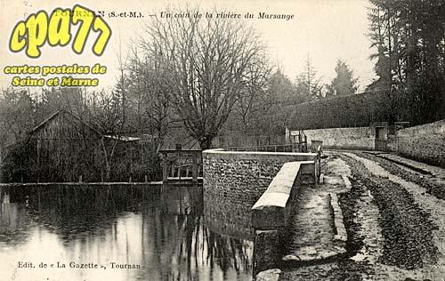 Tournan En Brie - Un coin de la rivière du Marsange