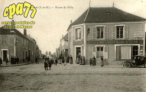 Tousson - Route de Milly