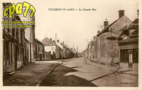Tousson - La Grande Rue