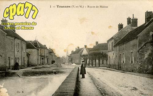 Tousson - Route de Maisse