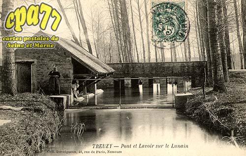 Treuzy Levelay - Pont et Lavoir sur le Lunain