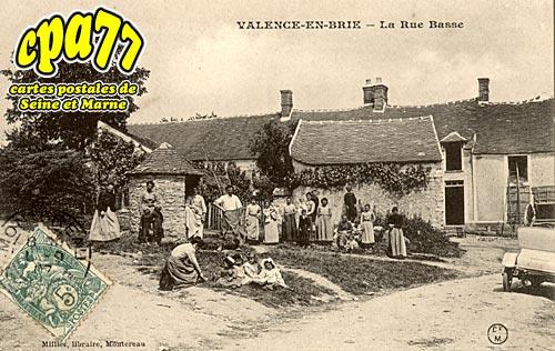 Valence En Brie - La Rue Basse