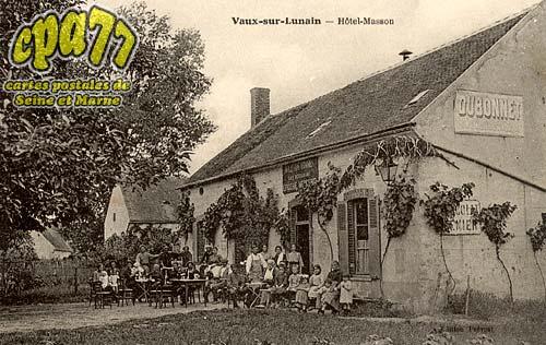 Vaux Sur Lunain - Hôtel-Masson