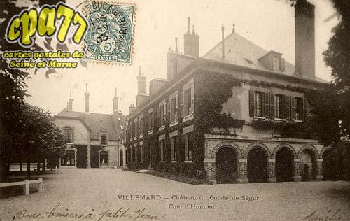 Vaux Sur Lunain - Château du Comte de Ségur - Cour d'Honneur