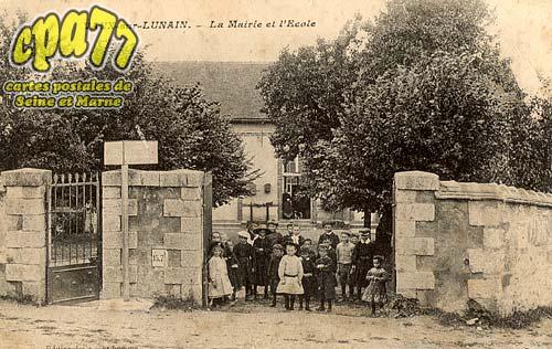 Vaux Sur Lunain - La Mairie et l'Ecole