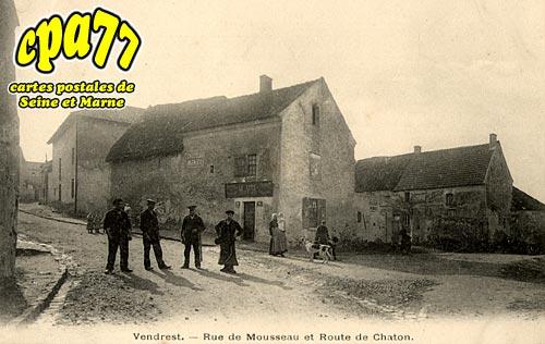 Vendrest - Rue de Mousseau et Route de Chaton