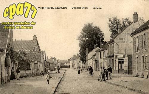 Verneuil L'étang - Grande Rue