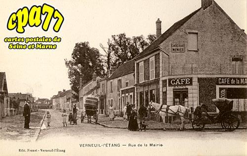 Verneuil L'étang - Rue de la Mairie