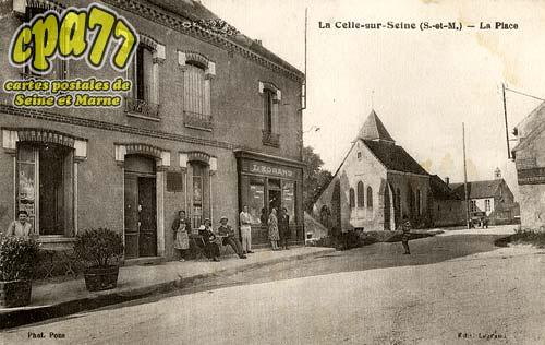 Vernou La Celle Sur Seine - La Place