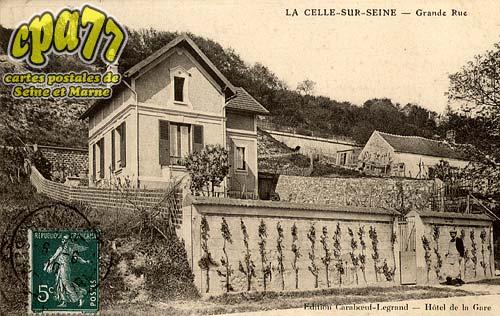 Vernou La Celle Sur Seine - Grande Rue