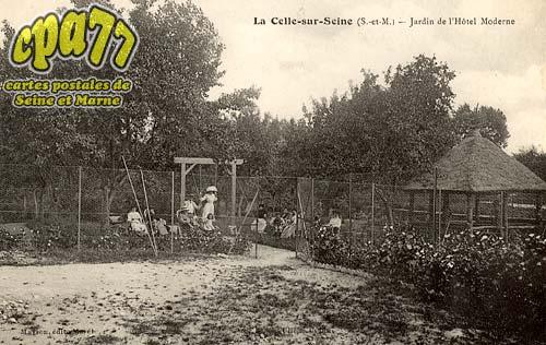 Vernou La Celle Sur Seine - Jardin de l'Hôtel Moderne