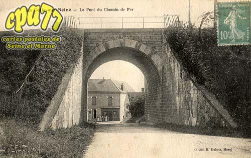Vernou La Celle Sur Seine - Le Pont du Chemin de Fer
