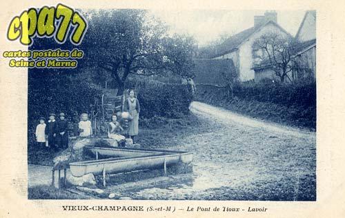 Vieux Champagne - Le Pont de Tioux - Lavoir