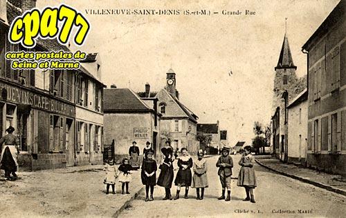 Villeneuve St Denis - Grande Rue