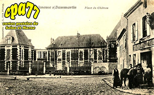 Villeneuve Sous Dammartin - Place du Château