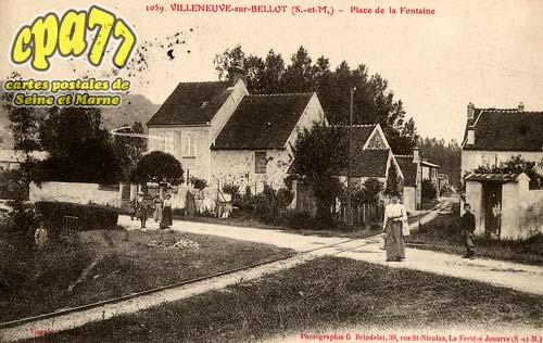 Villeneuve Sur Bellot - Place de la Fontaine