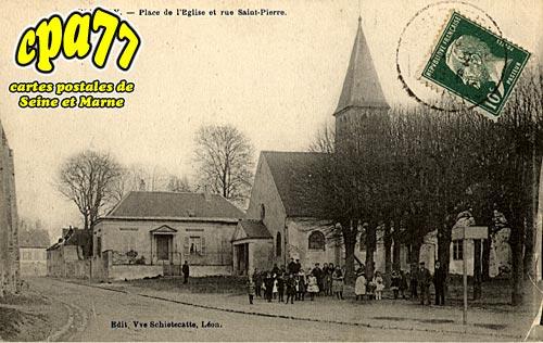 Villeroy - Place de l'Eglise et rue Saint-Pierre